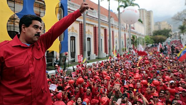 Venezuela petrodolar'a karşı ayaklanıyor