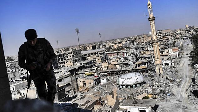 Rakka'da koalisyonun parmak izleri: 1600 ölü ve paramparça bir şehir width=