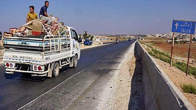 Rusya, Suriye'nin İdlib'e yönelik saldırısını erteliyor