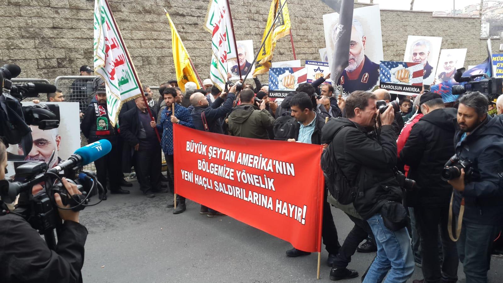 İstanbul'dan Süleymani'ye selam, Amerika'ya lanet sesleri yükseldi