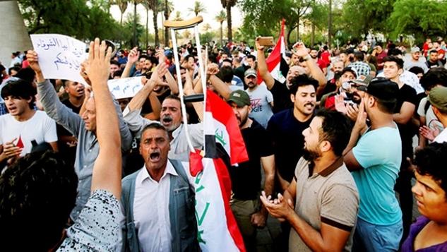 Irak'ın güneyinde yaşanan kitlesel gösterilerin nedeni width=