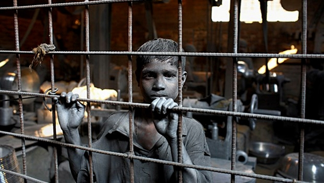 Dünyada 200 milyon insan modern köle ya da çocuk işçi konumunda